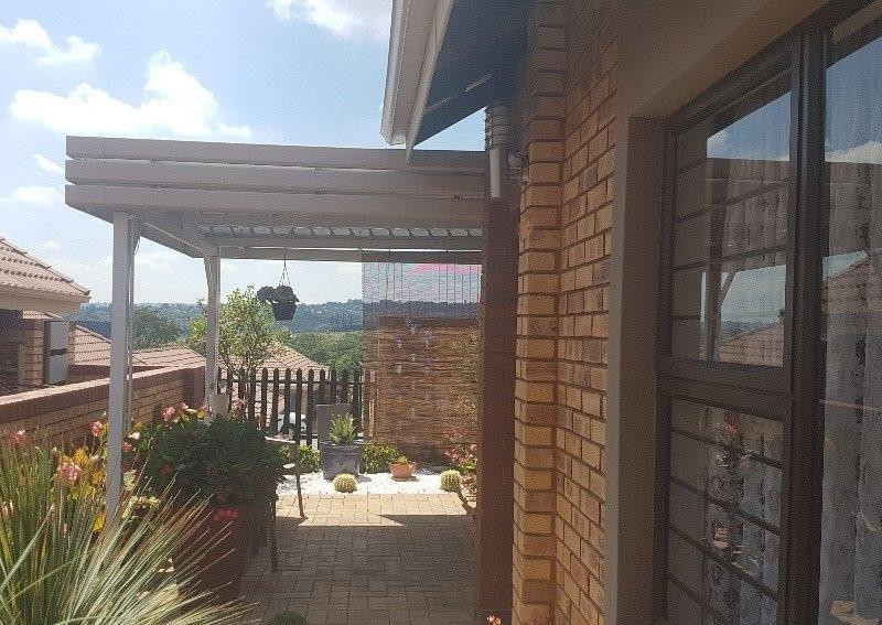 11 Properties and Homes For Sale in Olivedale, Randburg