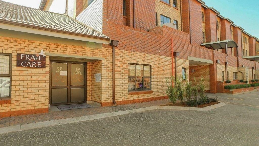3 Bedroom Simplex For Sale in Eldoraigne | CSi Property Group