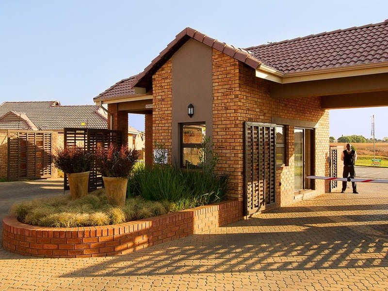 6 Properties and Homes For Sale in Benoni, Gauteng | CSi